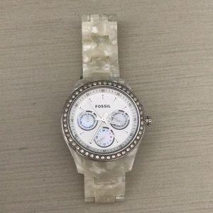 Women's ivory fossil watch